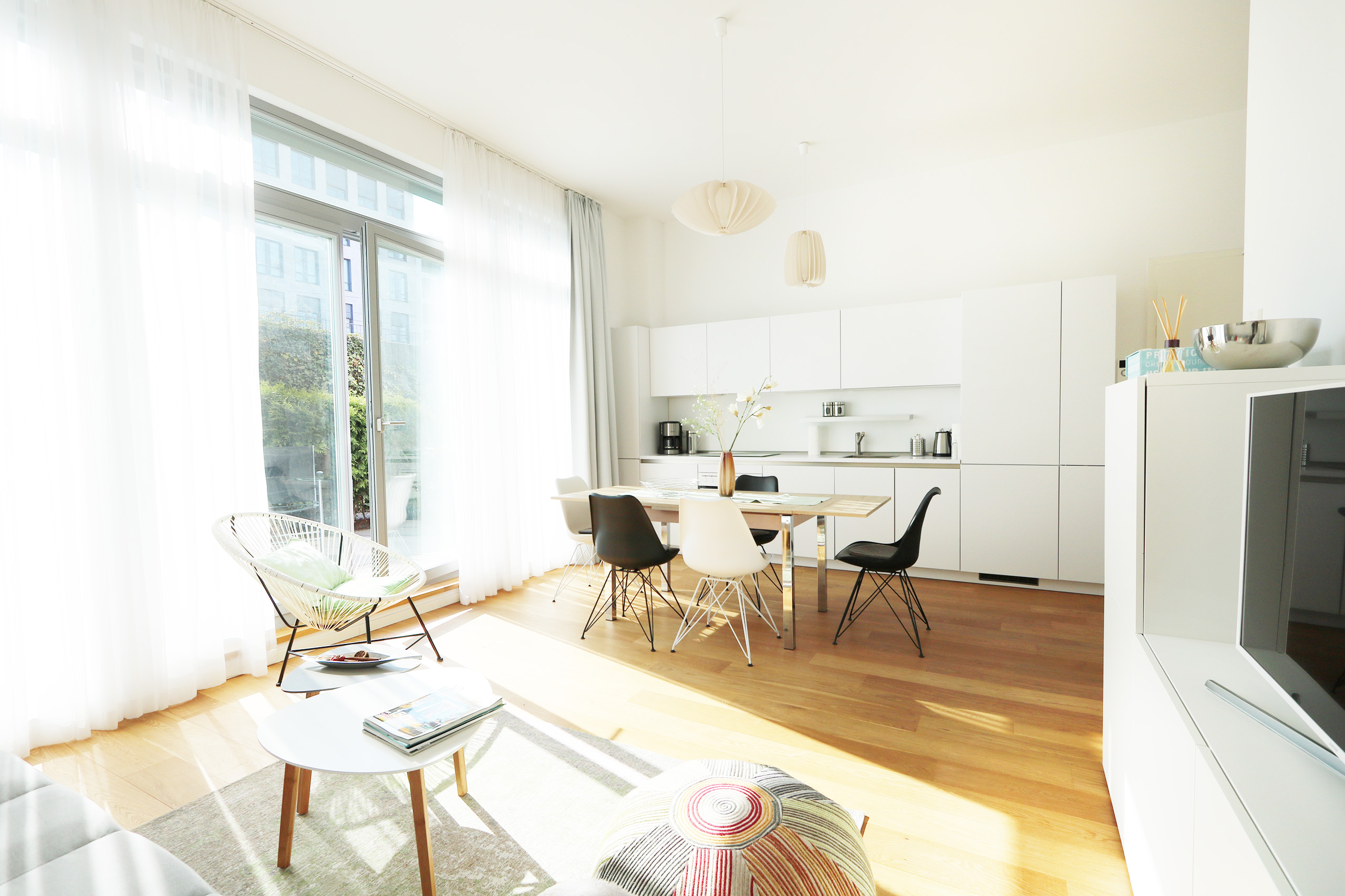 925 Sunny Central Design Apartment With Ious Terrace